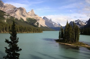 Maligne Lake - I-stock